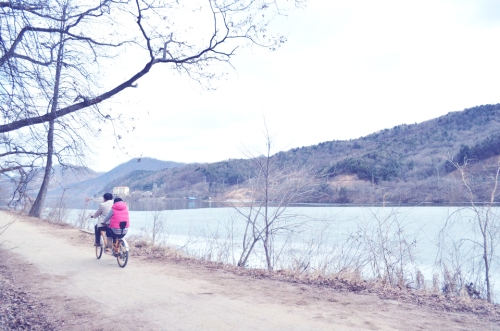 Lovers in Nami Island (2012)